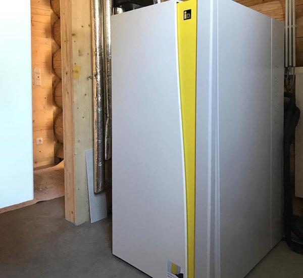 Montage einer Wärmepumpe am Chiemsee