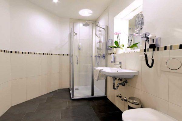 Badezimmer renoviert durch Sanitär Chiemsee
